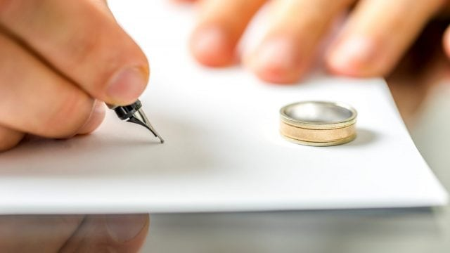 Name Change After Divorce in New Jersey | FAQs